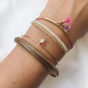 Jewelry - Dainty Tube Tassel Bracelet - Gold/Berry